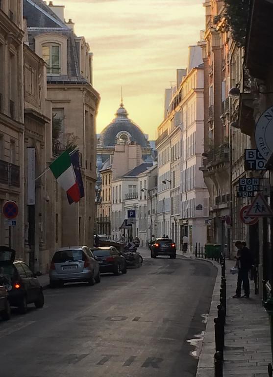 IMAGE: https://midnightblue.smugmug.com/The-Portfolio/Travel-Casuals/i-n9SdNNz/0/XL/20140927190843.paris.IMG_2146.2-XL.jpg